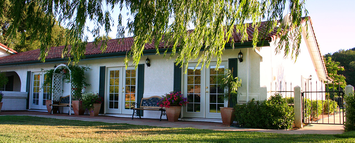 Dementia Care Atascadero California - Central Coast Assisted Living - Paradise Valley Care